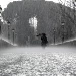 ゲリラ豪雨で怖いのはカミナリより空き巣被害?