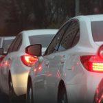 高速道路が渋滞する原因と回避する方法とは?